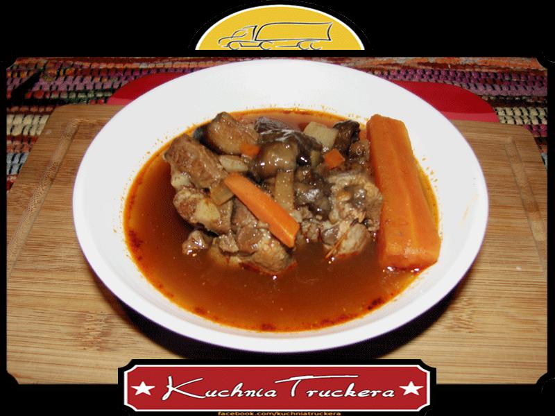 Pikantna zupa grzybowa na żeberku